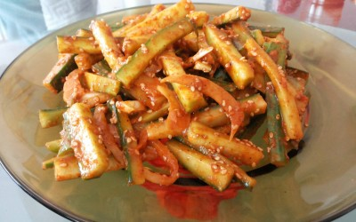 Сурова веган корейска салата от краставици